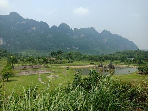 Lạc Thủy (Hòa Bình): Sân golf Đồng Tâm, 12 năm bỏ hoang