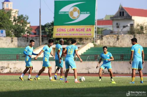 Nhận định SLNA - Khánh Hòa: Quyết đấu để giải 'cơn khát' chiến thắng