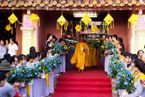 Trang nghiêm Lễ rước Phật tại Thừa Thiên Huế