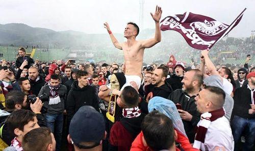 Người Việt có suất Champions League?