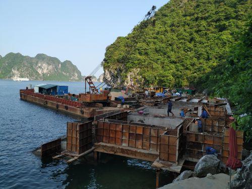 Loạt công trình xây trên vịnh Hạ Long không có đánh giá tác động môi trường