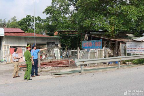 Xử lý dứt điểm 45 ki ốt nằm trong hành lang giao thông trên tỉnh lộ 542C tại Hưng Nguyên