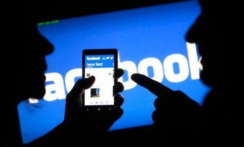 Kỷ luật cán bộ trường chính trị đăng Facebook sai sự thật
