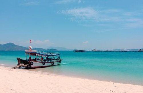 Sống chậm ở Bình Hưng - nơi biển xanh trong và con người hiền hòa
