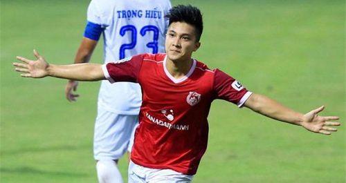 Danh sách đội tuyển Việt Nam dự King's Cup 2019: An toàn và nét mới