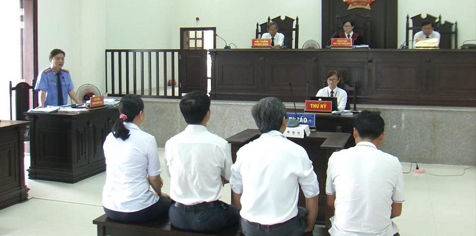 Vụ 'Không gây thiệt hại vẫn bị truy tố ở Tây Ninh': Bắt tạm giam các bị cáo tại tòa!