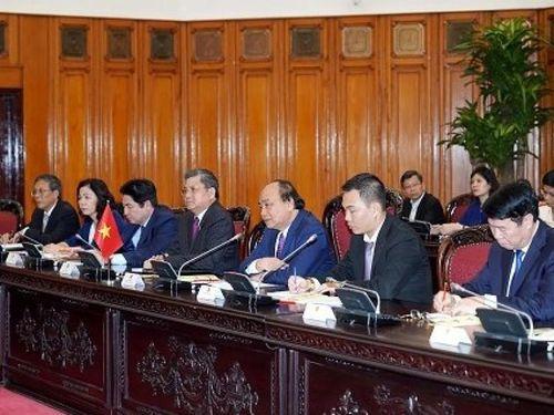 Thủ tướng đề nghị Campuchia tạo thuận lợi cho Việt kiều và DN Việt