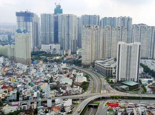 Hàng chục cao ốc trên 1km đường, cửa ngõ Sài Gòn đang bị 'bóp nghẹt' như thế nào?
