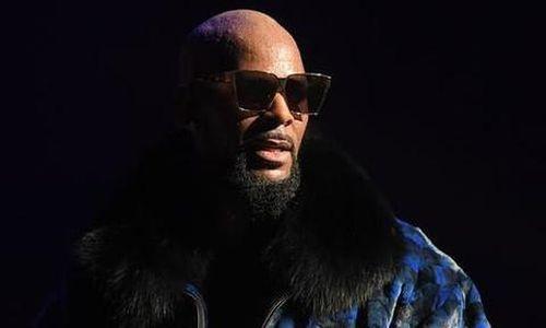 Ca sĩ R. Kelly bị truy tố 11 tội danh vì lạm dụng tình dục