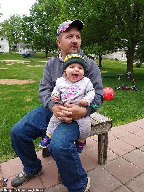 Bé gái 22 tháng tuổi hiến tạng khiến cả thế giới xúc động tiễn biệt