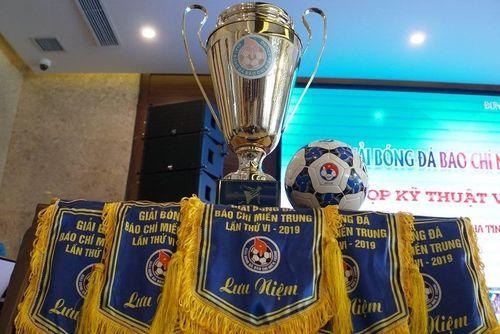Sẵn sàng cho Giải bóng đá báo chí miền Trung lần thứ VI