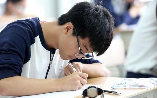 Đề thi đại học ở Trung Quốc khiến dân mạng xúc động