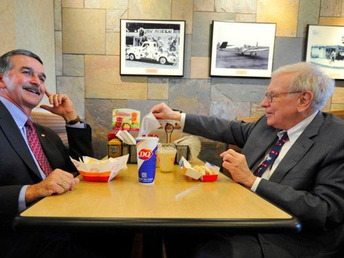 4.5 triệu USD để ăn trưa cùng tỉ phú Warren Buffet