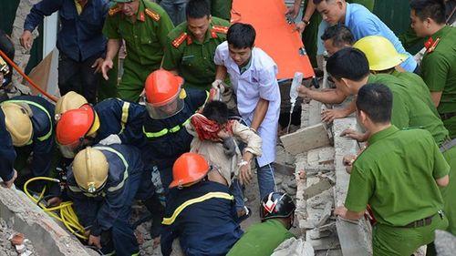 Hà Tĩnh: Nạn nhân bị kẹt trong nhà sập đã tử vong