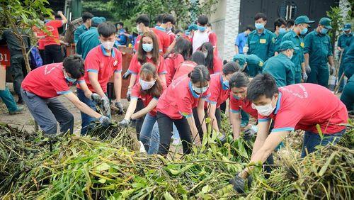Thanh niên TPHCM ra quân bảo vệ môi trường