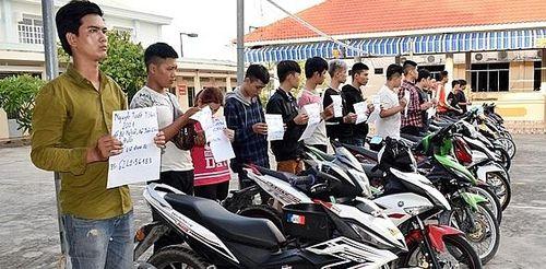 Long An: Ngăn chặn 100 quái xế tụ tập đua xe