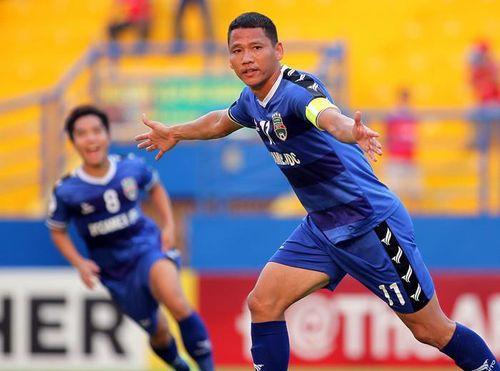 Anh Đức lại ghi bàn, B. Bình Dương chờ tiếp PSM Makassar