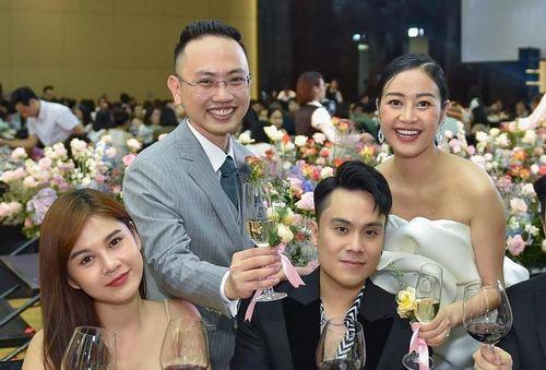 Dàn sao Việt dự cưới MC Phí Linh tại Hà Nội