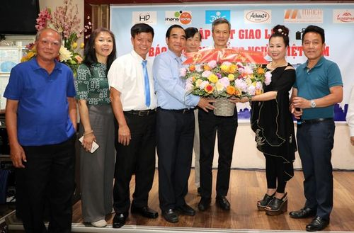 Ra mắt Câu lạc bộ Báo chí cộng đồng người Việt tại Berlin, Đức