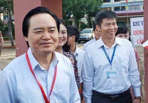 Bộ trưởng Phùng Xuân Nhạ yêu cầu kiểm tra kỹ thiết bị gian lận thi cử