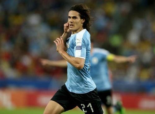 Chile 0-1 Uruguay: Cavani 'nổ súng', Chile mất ngôi đầu