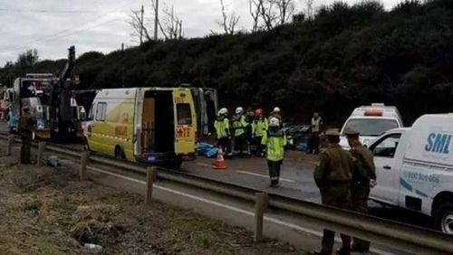 Kinh hoàng lật xe bus ở Bắc Chile, 40 người thương vong