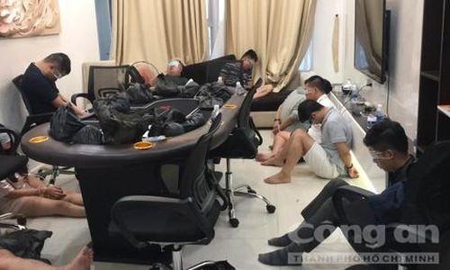 Đánh sập sòng poker cực lớn trong chung cư hạng sang ở Sài Gòn