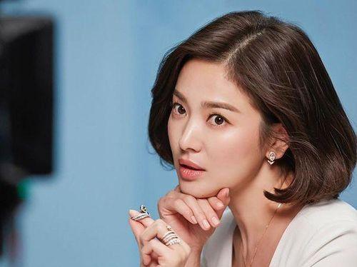 Trước khi Song Joong Ki nộp đơn li dị, ít ai biết rằng Song Hye Kyo đã âm thầm thể hiện sự 'nổi loạn' bằng cách này