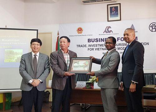 Hà Nội - Mozambique xúc tiến hợp tác đầu tư, thương mại du lịch