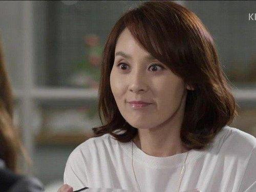 Ngôi sao nổi tiếng Hàn Quốc chết bất thường trong khách sạn