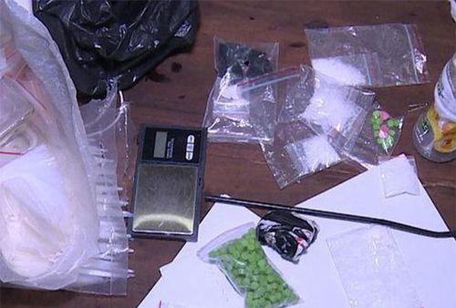 Thái Bình: Bắt giữ nhóm 'nữ quái' mua bán ma túy trái phép