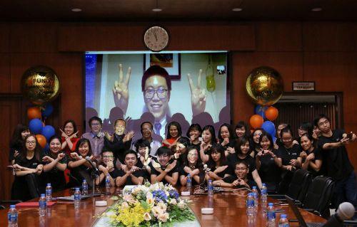 Đại học trực tuyến FUNiX trao bằng tốt nghiệp cho sinh viên Việt Nam đầu tiên