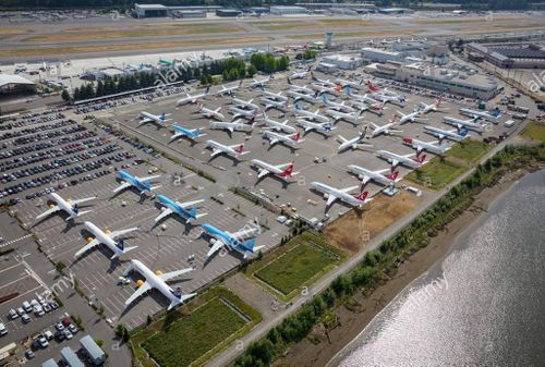 Máy bay 737 Max chiếm chỗ đỗ ôtô của nhân viên Boeing