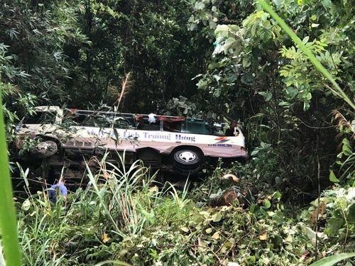 Quảng Ninh: Danh tính nạn nhân vụ xe du lịch rơi xuống vực khiến 21 người thương vong