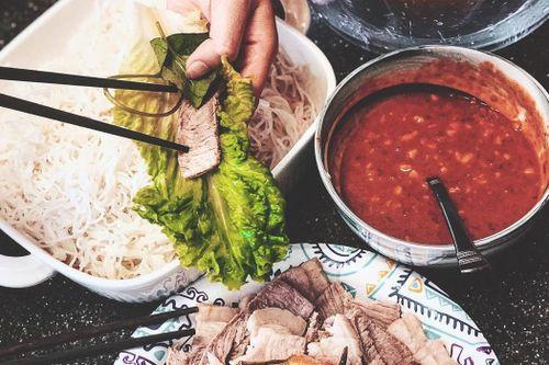 Mắm tôm chà Gò Công là đặc sản nổi tiếng của tỉnh nào?