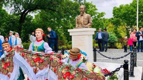 Khánh thành tượng đài Chủ tịch Hồ Chí Minh tại Vladivostok, LB Nga