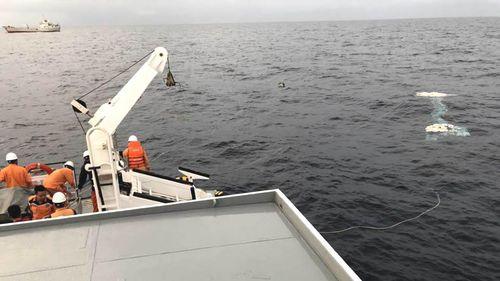 Vụ chìm tàu, 9 ngư dân mất tích: Dốc toàn lực, sử dụng robot lặn tìm kiếm các thuyền viên