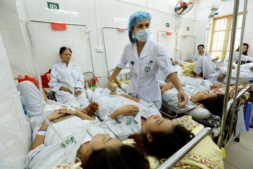 Sốt xuất huyết bùng phát, số bệnh nhân nhập viện gia tăng