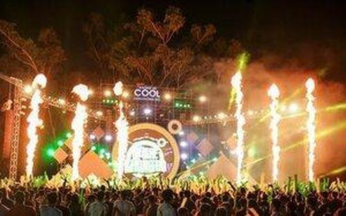 Hàng ngàn sinh viên chìm đắm trong những bản hit tại sự kiện âm nhạc TPHCM