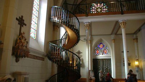Bí ẩn chiếc cầu thang xoắn ốc có kết cấu chịu lực phi thường