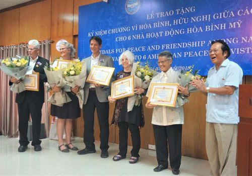 Vinh danh 6 người Mỹ góp phần 'làm nên hòa bình' tại Việt Nam