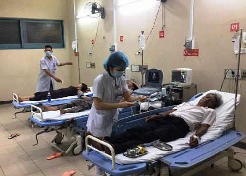 Hàng loạt người nhập viện cấp cứu sau đám cưới ở Thừa Thiên Huế