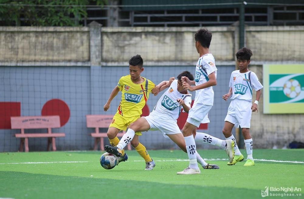 Những tài năng trẻ Hà Tĩnh đang tỏa sáng trong màu áo SLNA