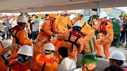 Phát hiện 2 thi thể gần khu vực tàu cá Nghệ An bị nạn