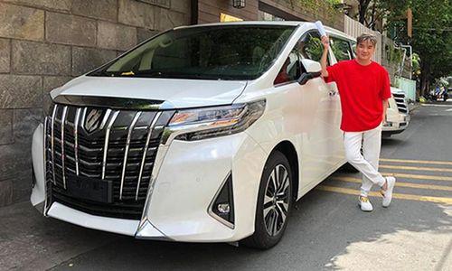 Mr. Đàm tậu xe MPV hạng sang Toyota Alphard bạc tỷ