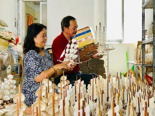 Những làng nghề vang tiếng một thời: Nghề sò ốc mỹ nghệ 'Đóng hàng thu ngoại tệ'