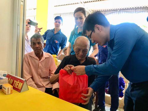 Hành trình tình nguyện đem niềm vui đến cho người dân Hà Tĩnh