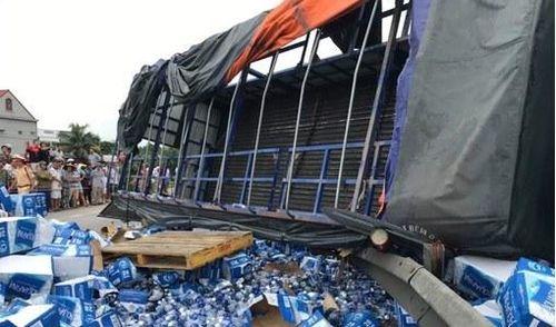 Nhân chứng vụ tai nạn 5 người tử vong ở Hải Dương: 'Lật hai người thì đều tắt thở'