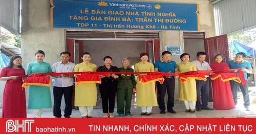 Bàn giao 8 nhà tình nghĩa cho cựu TNXP Hà Tĩnh