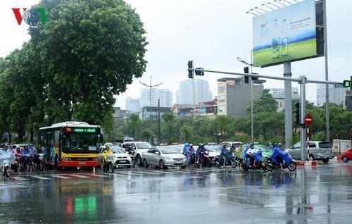 Ảnh hưởng của bão số 3: Hà Nội chưa xảy ra ngập úng kéo dài